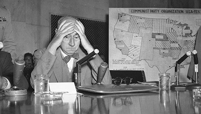 Сенатор США Джозеф Маккарти в Вашингтоне. 1954 год. Архивное фото