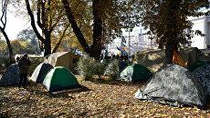 Палаточный городок у здания Верховной рады Украины. Архивное фото