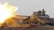 Сирийская армия ведет обстрел позиции боевиков у города Абу-Кемаль