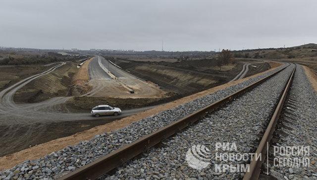 Строительство автомобильного подхода к мосту в Крым со стороны Керчи