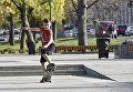 Мальчик на скейтборде в Симферополе
