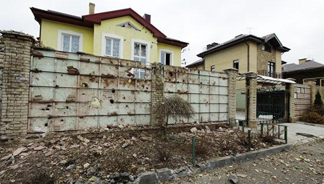 Последствия обстрела в Донбассе
