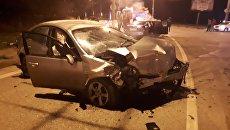 Два человека пострадали в ночной аварии в крымской столице
