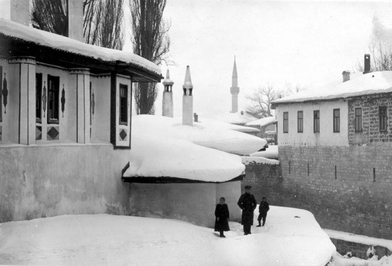 Ханский дворец в Бахчисарае зимой. 1915 год