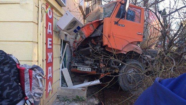 ДТП с КамАзом в Севастополе