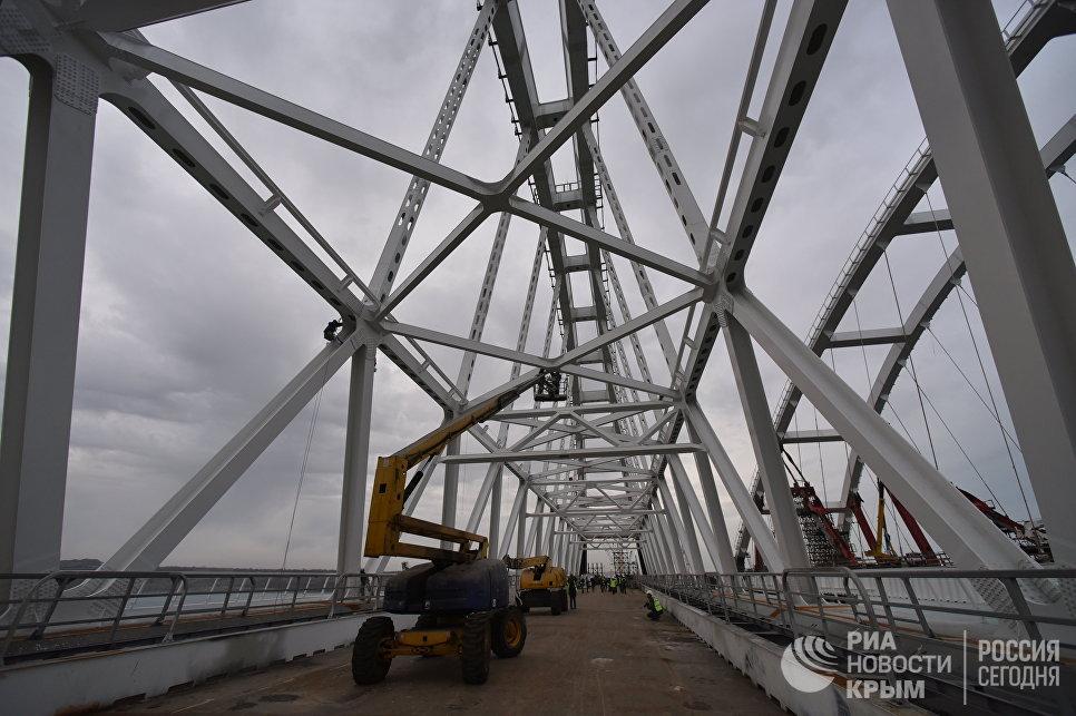 Арки моста через Керченский пролив