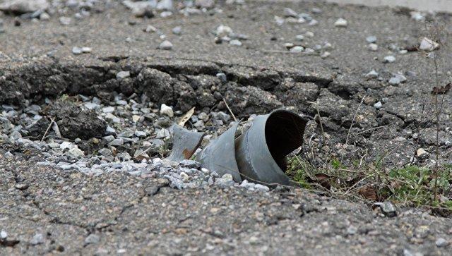 Неразорвавшийся снаряд РСЗО Град в Донецке