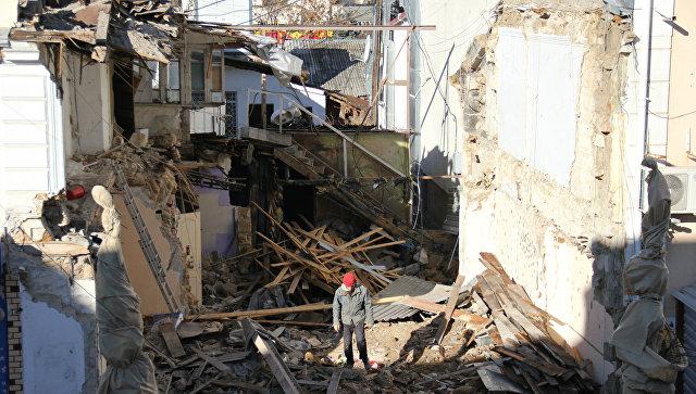 Снос здания на улице Пушкина в центре Симферополя