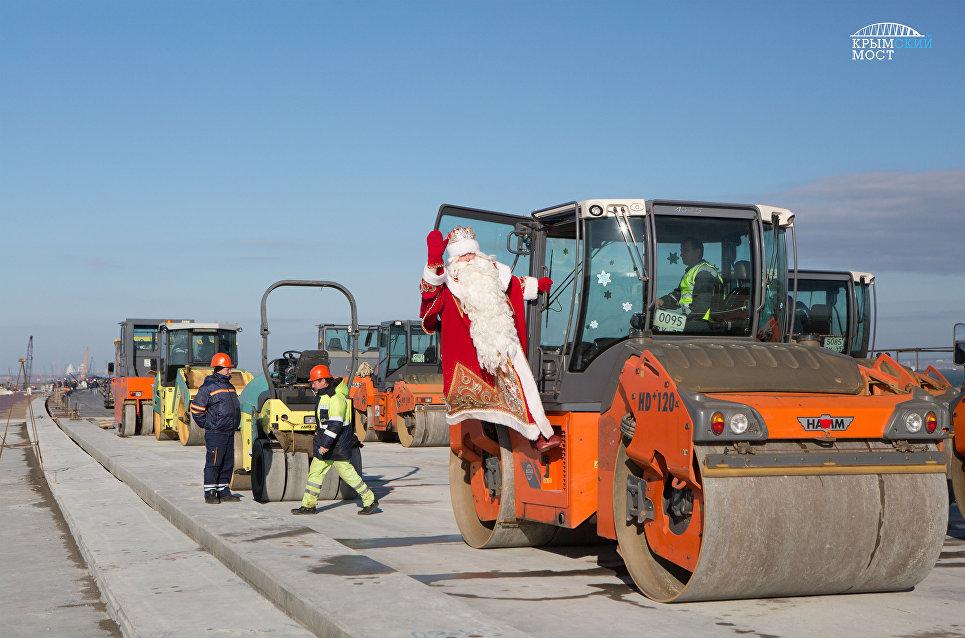 Волгоградцы встретили Деда Мороза вцентре города