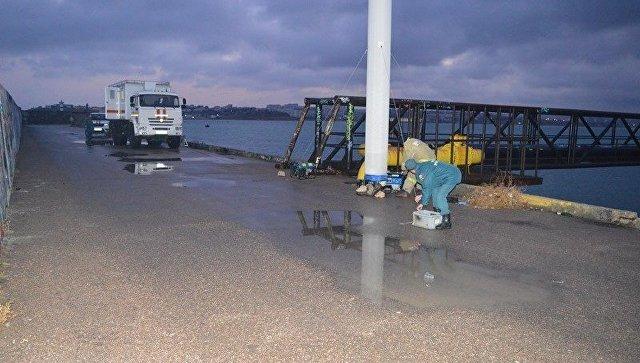 Затопление трубы газопровода в Севастопольской бухте