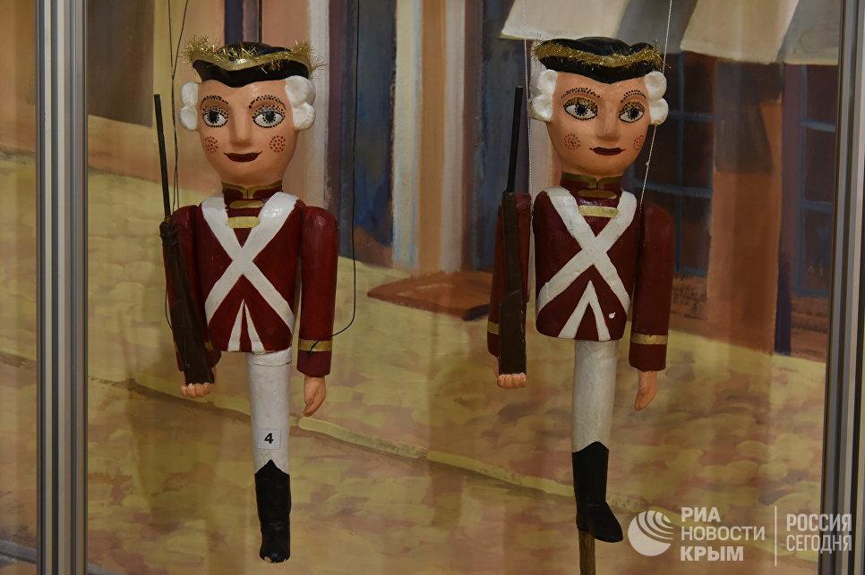 Выставка игрушек времен СССР в Музее истории города Симферополя