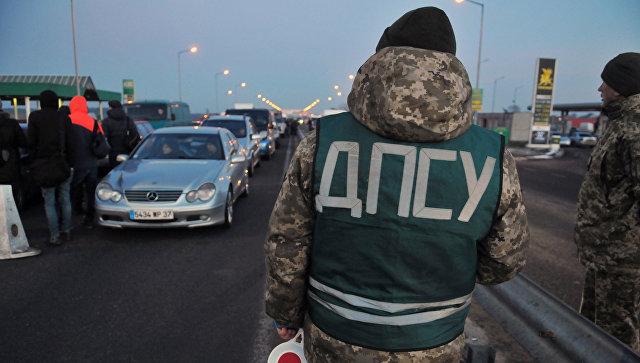 Пункт пропуска Краковец - Корчева на украино-польской границе. Архивное фото