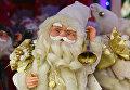 Игрушка Деда Мороза в магазине в Симферополе