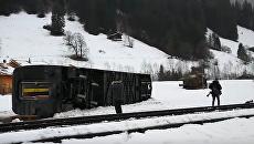 Поезд, опрокинувшийся из-за сильного ветра в Швейцарии