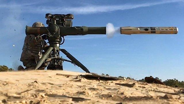 Американский противотанковый ракетный комплекс BGM-71 TOW. Архивное фото