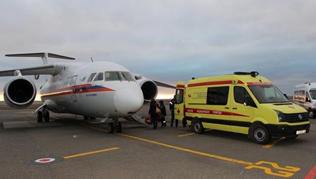 Спецборт МЧС доставил четверых тяжелобольных детей из Крыма в Москву