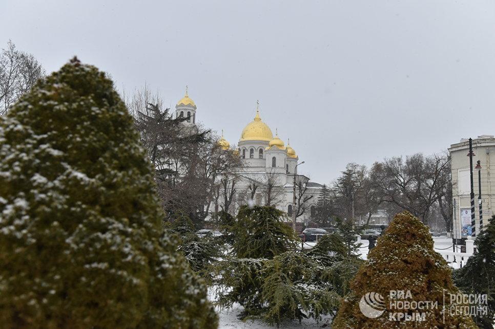 Снег в Симферополе. 14 января 2018