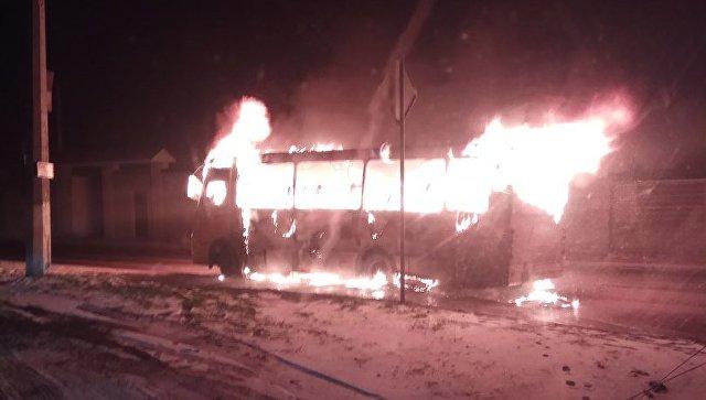 ВСимферополе сгорела маршрутка. шофёр в клинике