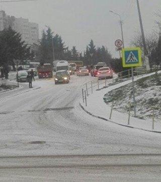 Гололед и снег в Алуште. 16 января 2018