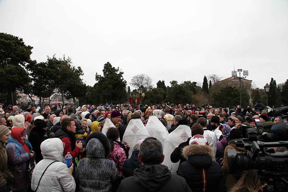 В Севастополе на Херсонеса Таврического состоялся крестный ход и освящение воды в честь Крещения Господня