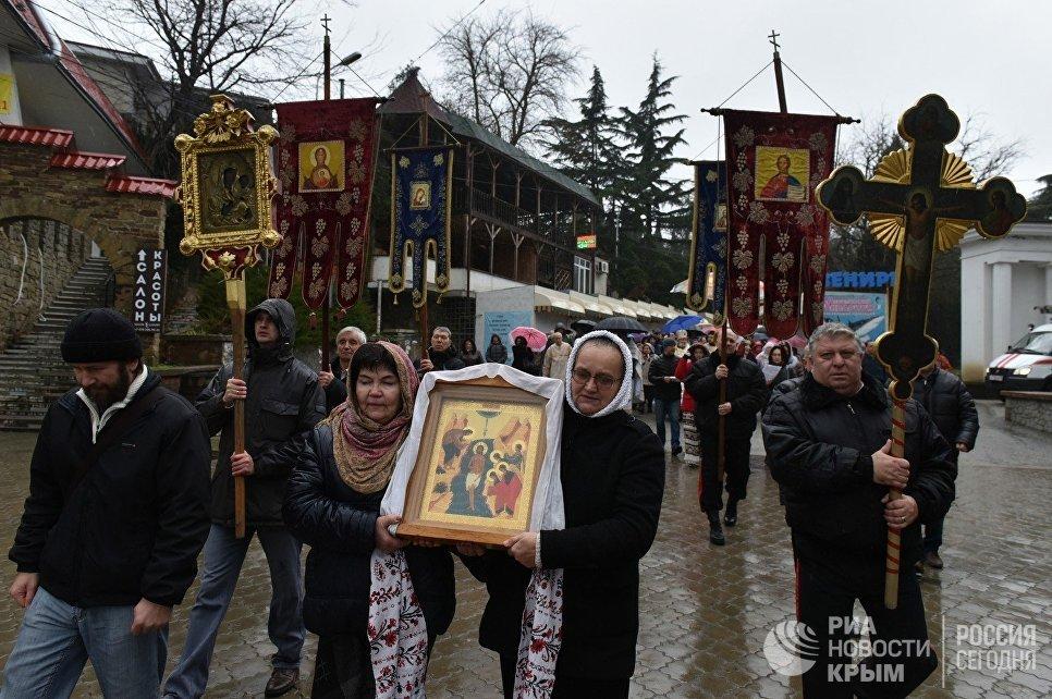 Крестный ход в честь Крещения в Алуште