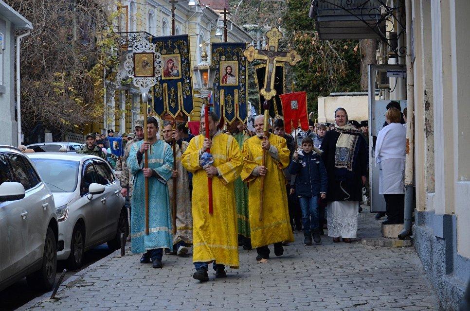 Крестный ход в честь Крещения в Ялте