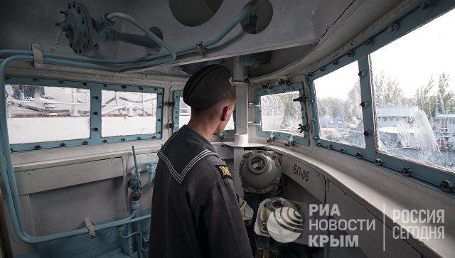 Ходовая рубка подводной лодки Запорожье ВМС Украины. Сентябрь, 2013 год