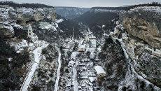 Успенский пещерный монастырь в Бахчисарае зимой