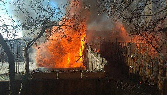 Из-за крупного пожара вЯлте сгорел шашлычный дворик
