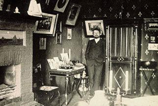 Антон Павлович Чехов в Ялтинском кабинете