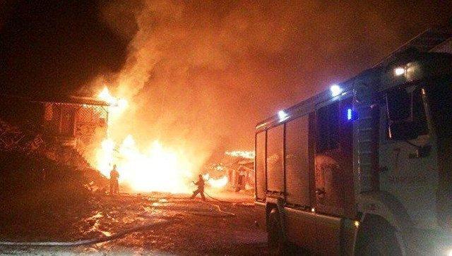 Крымские пожарные спасли отогня Свято-Успенский монастырь вБахчисарайском районе