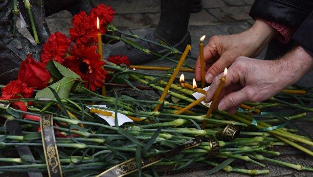 Акция в Симферополе в память о погибшем в Сирии пилоте штурмовика Су-25 Романе Филипове