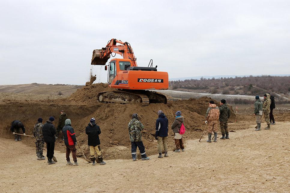 На стройплощадке севастопольского участка трассы Таврида работают около 60 рабочих
