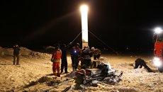 Спасатели на месте крушения пассажирского самолета Ан-148 в Московской области