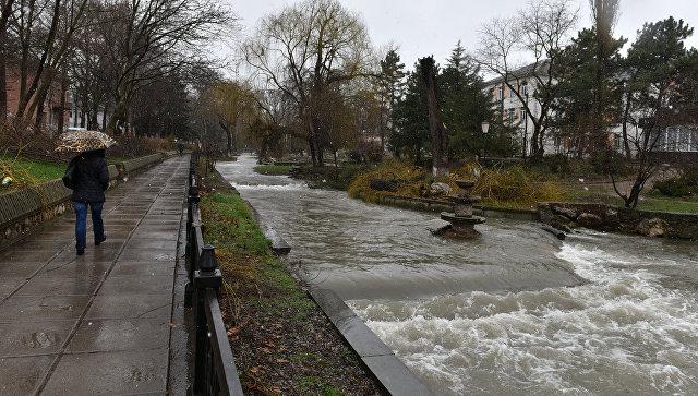 Река Салгир. Симферополь, район роддома №1