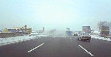 Столкновение автомобиля Нива и микроавтобуса под Киевом