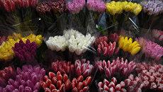 Продажа цветов в канун 8 марта в Симферополе