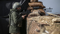 Военнослужащий турецкой армии на боевой позиции в сирийском Африне