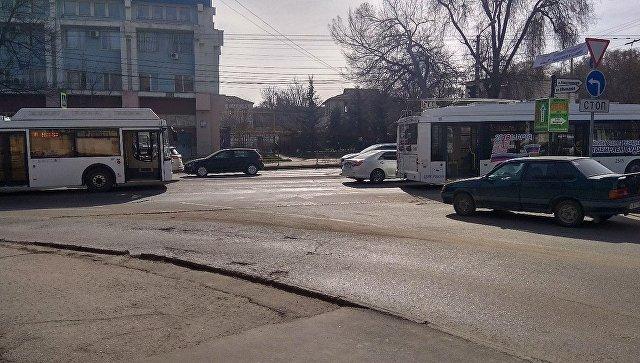 Пробка на улице Севастопольской в Симферополе. 13 марта 2018