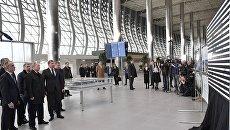 Президент РФ Владимир Путин во время осмотра нового аэровокзального комплекса международного аэропорта Симферополь