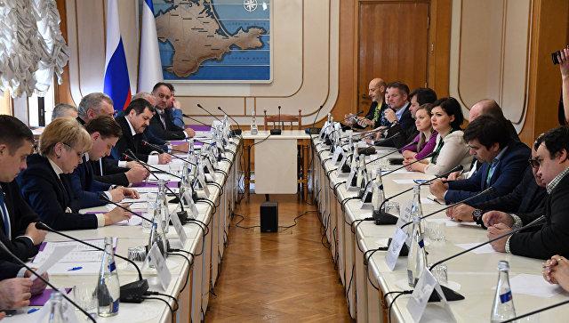 Иностранные наблюдатели обсудили с главой Избиркома Крыма предстоящие выборы