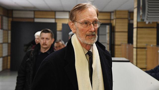 Встреча иностранных наблюдателей на выборах президента РФ в Крыму в аэропорту Симферополь