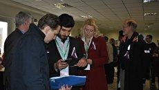 Международные наблюдатели на одном из избирательных участков в Ялте