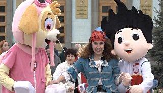 Видео празднования Дня воссоединения Крыма с Россией в Симферополе