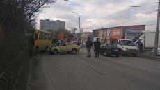 ДТП в Симферополе с участием пассажирского автобуса и легкового авто