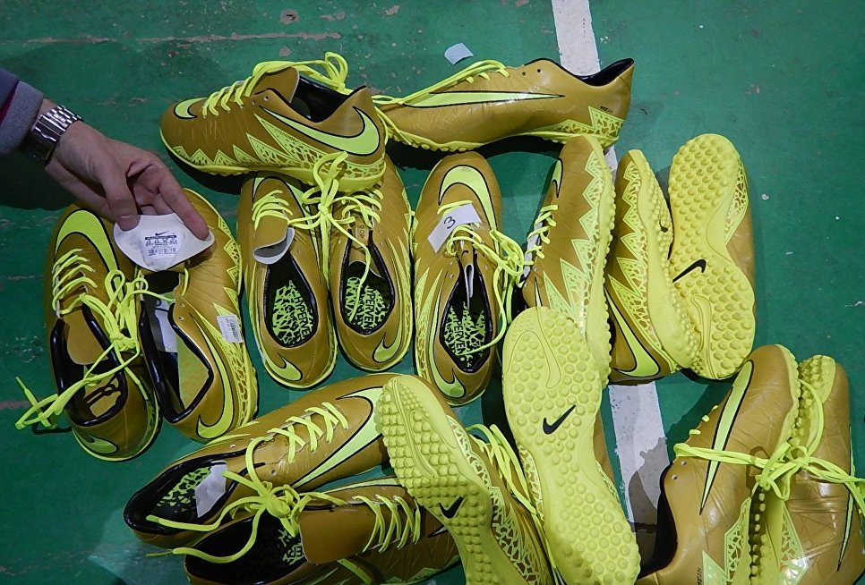 ВКрыму таможня «зарубила» реализацию фальшивых Adidas, Nike, Пума