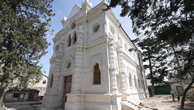 Отреставрированный фасад караимской кенасы в Симферополе