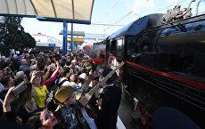 Видео: в Симферополь в 74-ю годовщину освобождения города от немецко-фашистских захватчиков прибыл Поезд Победы