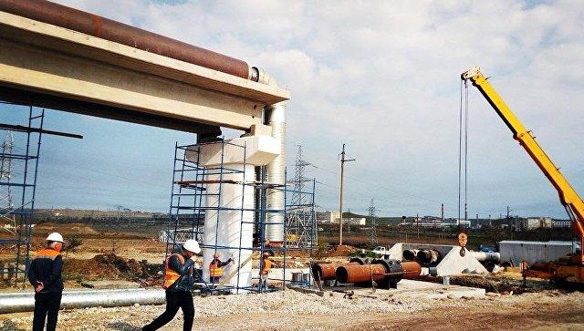 Строители автоподхода к Крымскому мосту демонтируют старую теплотрассу