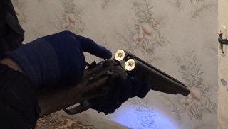 ФСБ опубликовала кадры с места ликвидации боевика и найденное у него видео